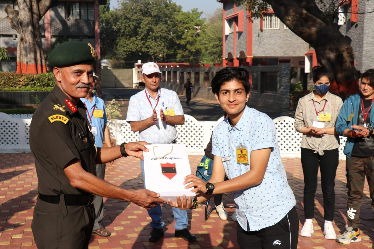 Kashmir Women Cricket Team visits Pune and Interacts with Lieutenant General JS Nain, Army Commander Southern Command