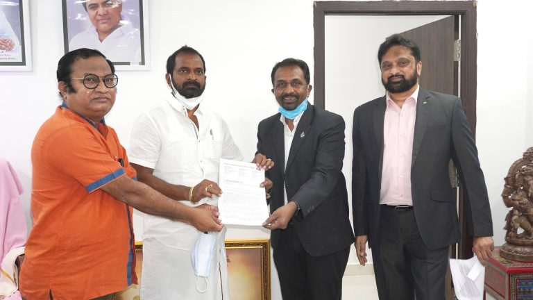 Telangana Travel Industry meets its Tourism Minister, seeks package for their revival from the state government
